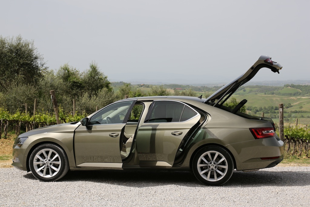 Skoda superb 2016 fiche technique