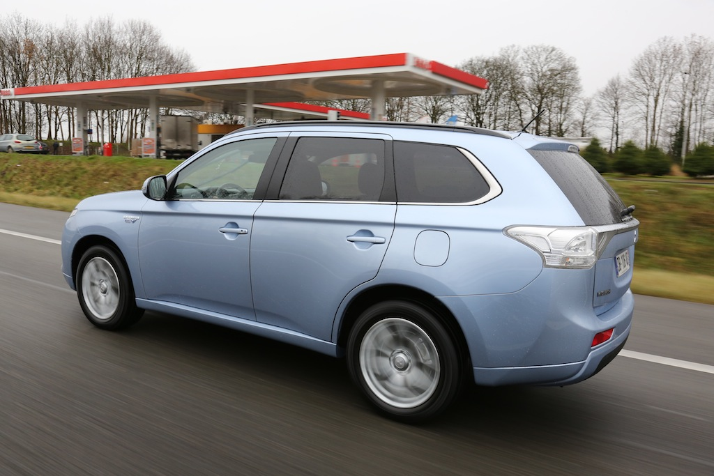 mitsubishi outlander phev photo laurent sanson-02