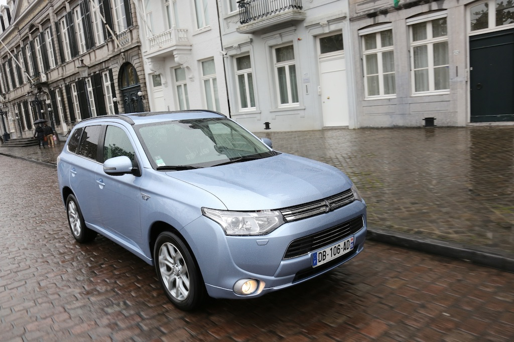 mitsubishi outlander phev photo laurent sanson-03