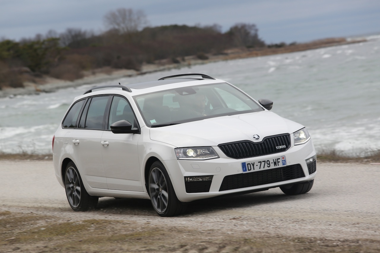 essai skoda octavia combi rs tdi dsg 4x4 2016 le blog. Black Bedroom Furniture Sets. Home Design Ideas