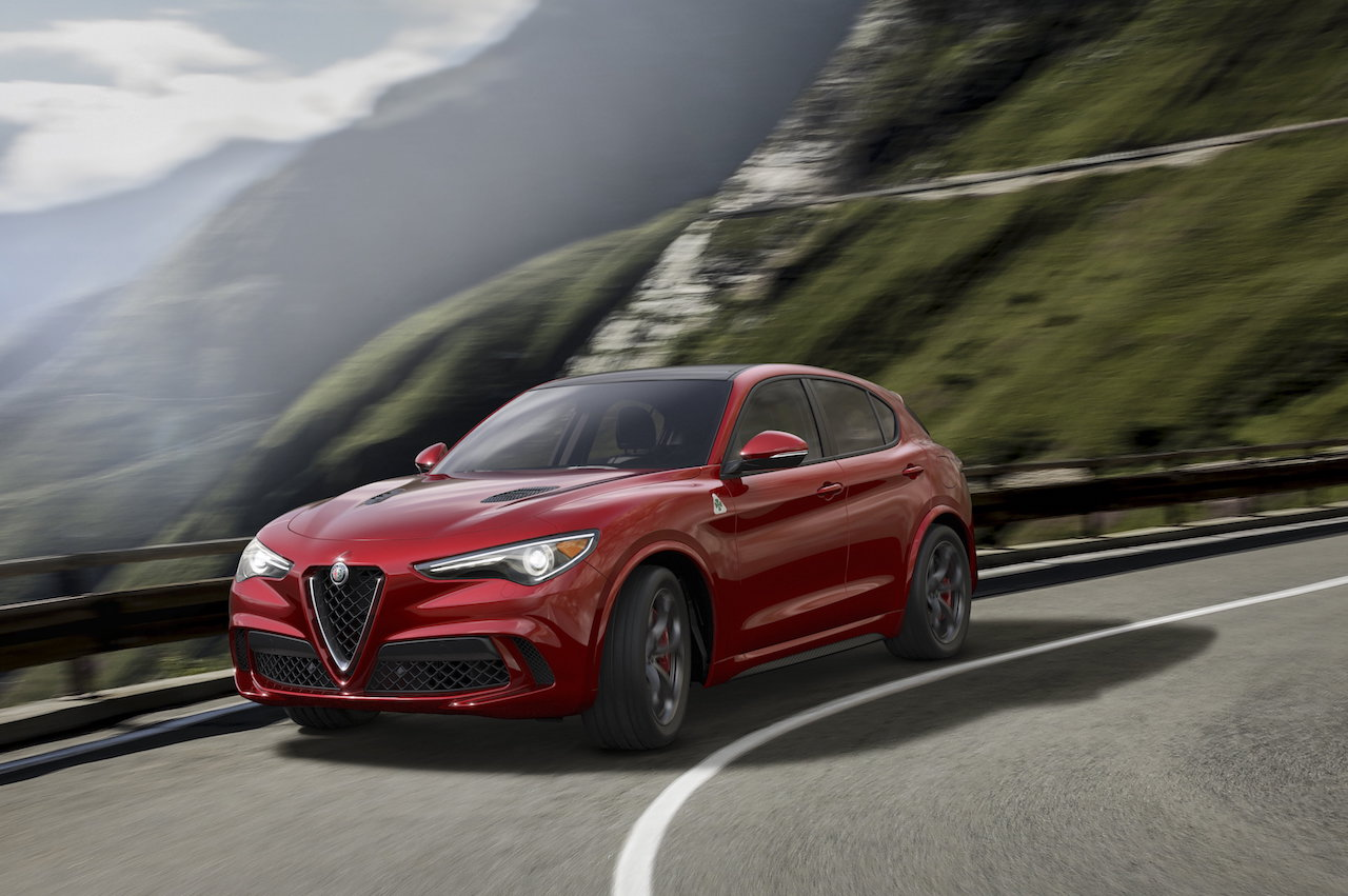 alfa romeo stelvio 2017 le premier suv de la firme au biscione le blog verbaere automobiles. Black Bedroom Furniture Sets. Home Design Ideas